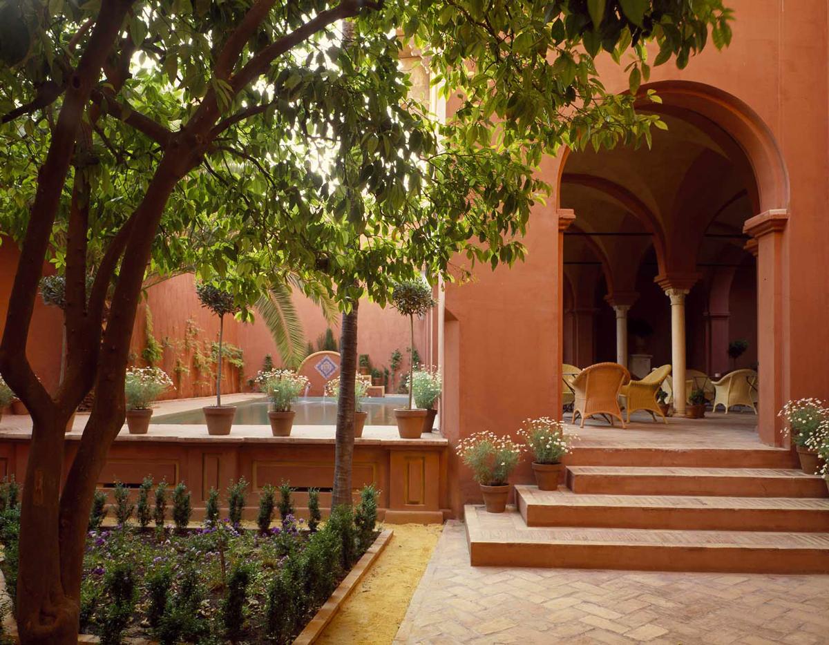 Arab garden casa palacio de carmona for Jardines de casas