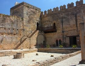 puerta_de_sevilla_patio_alcazar_1200